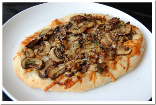 mushroom pizza big