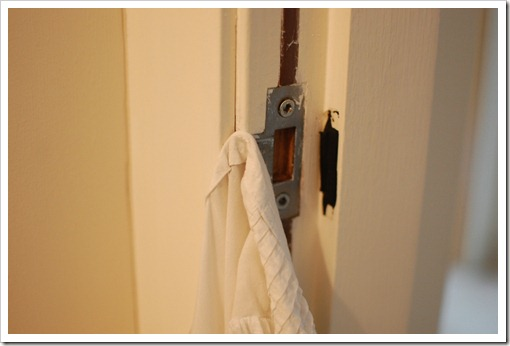 door hook shirt