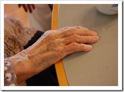 obaachan hand