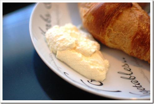 croissant ricotta